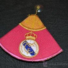 Coleccionismo deportivo: REAL MADRID CAPOTE PARA COLGAR EN EL COCHE. Lote 38871790