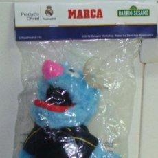 Coleccionismo deportivo: MUÑECO DEL REAL MADRID CLUB DE FÚTBOL. BARRIO SÉSAMO. COCO. PRECINTADO. . Lote 39033949