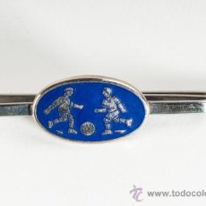 Coleccionismo deportivo: AGUJA CORBATA FUTBOL, PASACORBATAS CON IMAGEN FUTBOLISTA. Lote 39289032