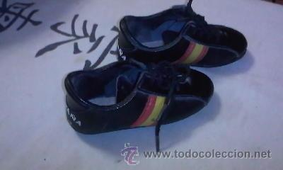 Coleccionismo deportivo: Preciosas zapatillas de futbol ESPAÑA 82 - Foto 3 - 39657973