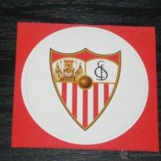 Coleccionismo deportivo: -PEGATINA CIRCULAR ESCUDO DE FUTBOL : SEVILLA. Lote 40766606