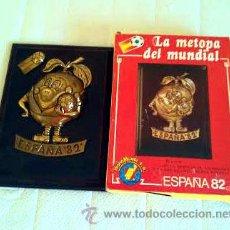 Coleccionismo deportivo: 1979. FUTBOL. MUNDIAL 82. METOPA OFICIAL NARANJITO. NUEVA Y EN SU ENVASE. A LA VENTA 8 UNIDADES.. Lote 80058697