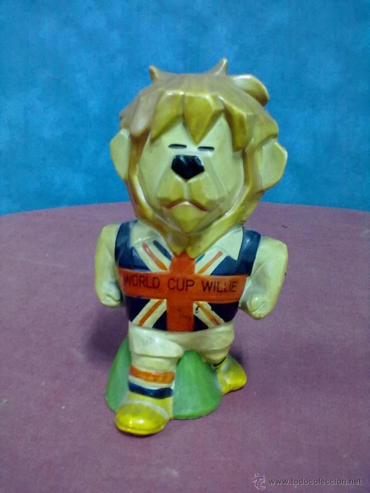 HUCHA WORLD CUP WILLIE MASCOTA MUNDIAL FUTBOL INGLATERRA 1966 (Coleccionismo Deportivo - Merchandising y Mascotas - Futbol)