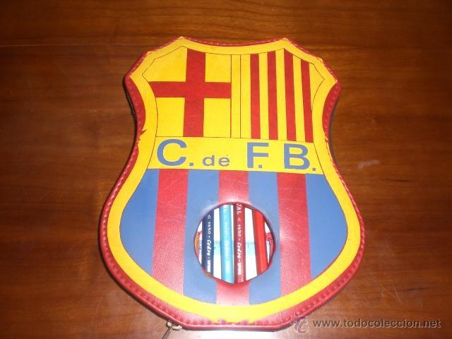 ESTUCHE DEL ESCUDO DEL BARÇA. FC BARCELONA. AÑOS 60-70. A ESTRENAR, DE TIENDA. (Coleccionismo Deportivo - Merchandising y Mascotas - Futbol)
