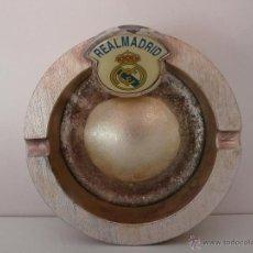 Coleccionismo deportivo: CENICERO METAL ESCUDO REAL MADRID. Lote 42818089