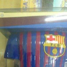Coleccionismo deportivo: HUCHA DE RESINA F.C.BARCELONA - PRODUCTO OFICIAL - NUEVO, SIN ABRIR. Lote 43929476