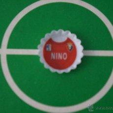 Coleccionismo deportivo: GREFUCHAPA DE FUTBOL:NINO DEL AT.OSASUNA,DE GREFUSA. Lote 186687697