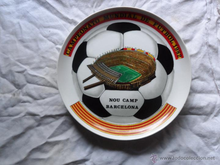 CURIOSO PLATO DEL CAMPEONATO MUNDIAL DE FUTBOL 1982 NOU CAMP BARCELONA - NARANJITO- MUNDIAL 82 (Coleccionismo Deportivo - Merchandising y Mascotas - Futbol)