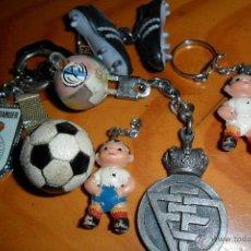 Coleccionismo deportivo: LOTE DE LLAVEROS TEMATICA FUTBOL -RACING DE SANTANDER - REAL MADRID - FEDERACION ESPAÑOLA DE FUTBOL.. Lote 45975369