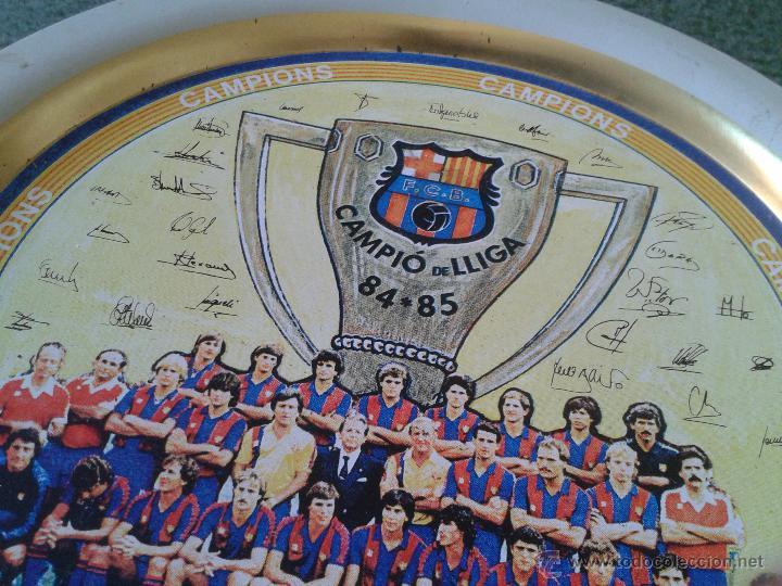 Coleccionismo deportivo: PLATO METAL PLANTILLA FUTBOL CLUB BARCELONA BARSA CAMPIO DE LLIGA 84 85 CAMPEON LIGA FIRMAS - Foto 4 - 47119319