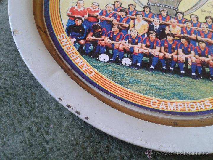 Coleccionismo deportivo: PLATO METAL PLANTILLA FUTBOL CLUB BARCELONA BARSA CAMPIO DE LLIGA 84 85 CAMPEON LIGA FIRMAS - Foto 5 - 47119319