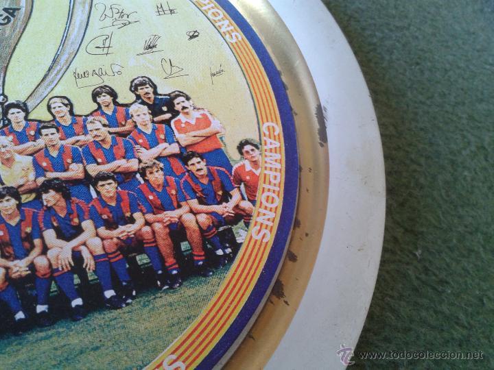 Coleccionismo deportivo: PLATO METAL PLANTILLA FUTBOL CLUB BARCELONA BARSA CAMPIO DE LLIGA 84 85 CAMPEON LIGA FIRMAS - Foto 6 - 47119319