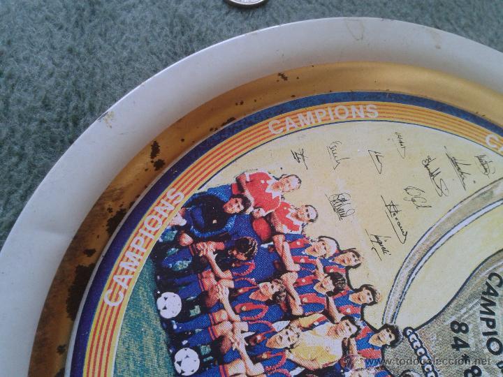 Coleccionismo deportivo: PLATO METAL PLANTILLA FUTBOL CLUB BARCELONA BARSA CAMPIO DE LLIGA 84 85 CAMPEON LIGA FIRMAS - Foto 9 - 47119319