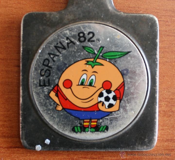 Coleccionismo deportivo: ABRECARTAS DE METAL: NARANJITO, MASCOTA DE LA COPA MUNDIAL FUTBOL ESPAÑA 1982 – COLECCIONISTAS - Foto 3 - 47558933