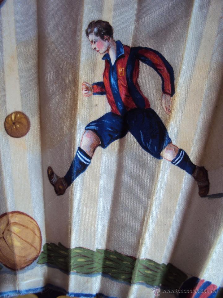 Coleccionismo deportivo: (F-0022)ABANICO ESCENAS FOOT-BALL,F.C.BARCELONA AÑOS 20,PINTADO A MANO,ILUSTRADOR C.CALVO - Foto 8 - 47936509