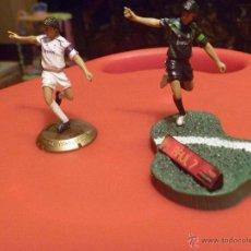 Coleccionismo deportivo: RAUL FUTBOL REAL MADRID FIGURA PVC 2 REPRODUCCIONES FTCHAMPS. Lote 48269086