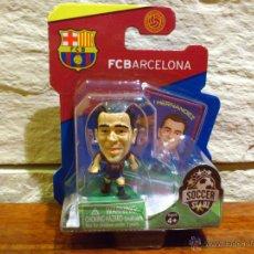 Coleccionismo deportivo: FC BARCELONA - SOCCERSTARZ - XAVI HERNANDEZ - FIGURA B - FUTBOL - PRECINTADO - BLISTER - NUEVO. Lote 48620047