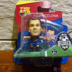 Coleccionismo deportivo: FC BARCELONA - SOCCERSTARZ - ANDRES INIESTA - FIGURA C - FUTBOL - PRECINTADO - BLISTER - NUEVO. Lote 48635996