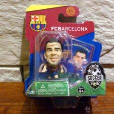 Coleccionismo deportivo: FC BARCELONA - SOCCERSTARZ - XAVI HERNANDEZ - FIGURA C - FUTBOL - PRECINTADO - BLISTER - NUEVO. Lote 48636254