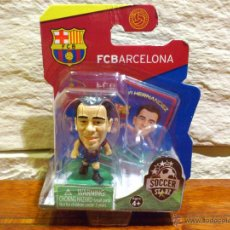 Coleccionismo deportivo: FC BARCELONA - SOCCERSTARZ - XAVI HERNANDEZ - FIGURA F - FUTBOL - PRECINTADO - BLISTER - NUEVO. Lote 49119831
