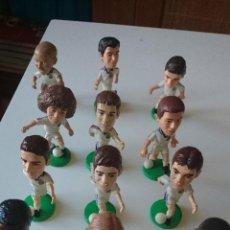 Coleccionismo deportivo: 12 MUÑECOS PVC DIFERENTES JUGADORES REAL MADRID AÑO 2000-01(VER DETALLE) TAMBIEN SUELTOS. Lote 49951045