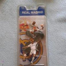 Coleccionismo deportivo: BECKHAM,ROBERTO CARLOS,REAL MADRID, PRODUCTO OFICIAL. Lote 50127648