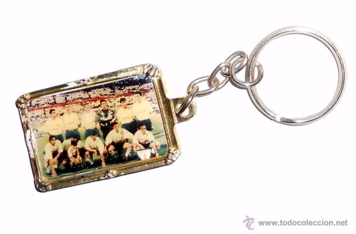 LLAVERO ANTIGUO FUTBOL REAL ZARAGOZA. RECOPA DE EUROPA 1995. FOTO DEL EQUIPO. (Coleccionismo Deportivo - Merchandising y Mascotas - Futbol)