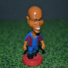 Coleccionismo deportivo: FIGURA DE GOMA F.C BARCELONA AÑO 2001 RONALDO. Lote 51140436