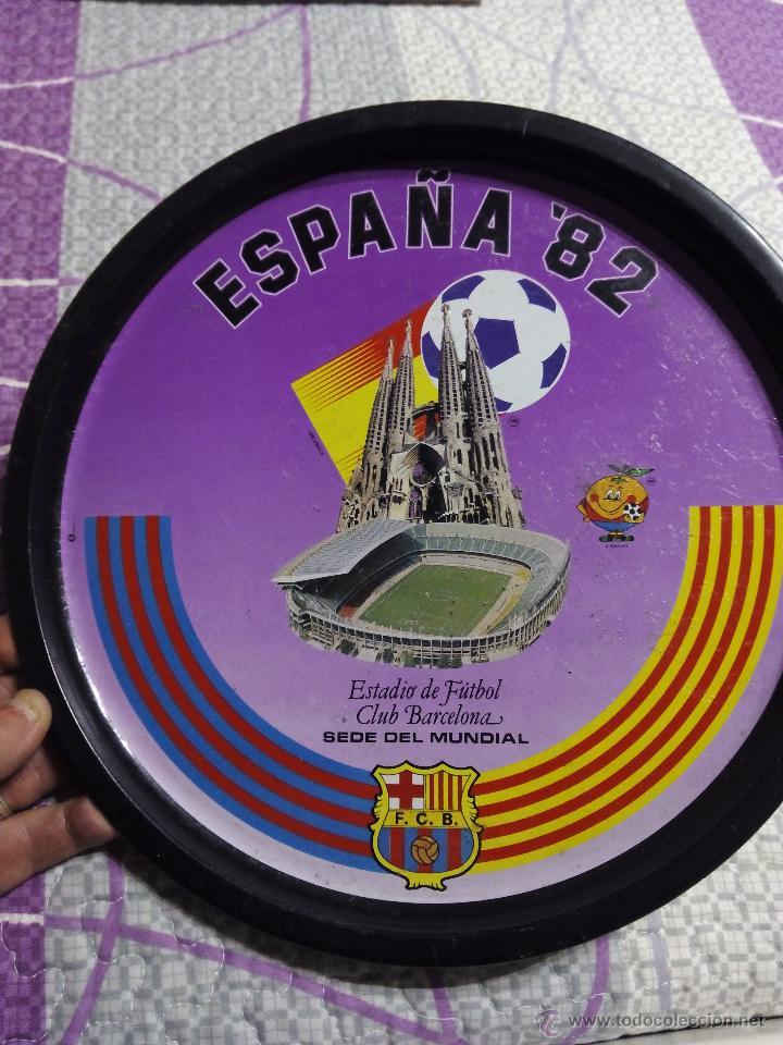 PLATO COMMEMORATIVO CAMPO DE FUTBOL DEL BARCELONA COMO SEDE DEL MUNDIAL DE ESPAÑA 1982 (Coleccionismo Deportivo - Merchandising y Mascotas - Futbol)