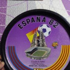Coleccionismo deportivo: PLATO COMMEMORATIVO CAMPO DE FUTBOL DEL BARCELONA COMO SEDE DEL MUNDIAL DE ESPAÑA 1982. Lote 51357728