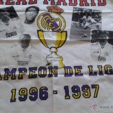 Coleccionismo deportivo: PAÑUELO REAL MADRID CAMPEONES DE LIGA 96-97. Lote 52890929