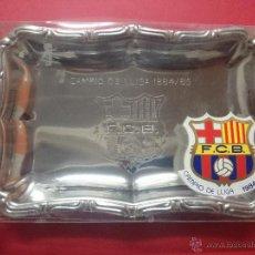 Coleccionismo deportivo: BANDEJA CONMEMORATIVA EN SU CAJA ORIGINAL DEL FUTBOL CLUB BARCELONA CAMPEÓN DE LIGA 1984/85.. R- 692. Lote 53273076