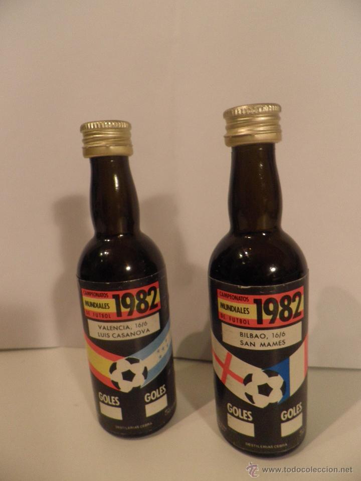 BOTELLITAS DE VINO, MUNDIAL FUTBOL ESPAÑA 1982, BOTELLA DESTILERIA CEBRA (Coleccionismo Deportivo - Merchandising y Mascotas - Futbol)