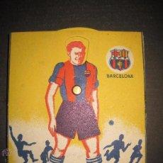 Coleccionismo deportivo: CAJA DE 12 LAPICES DEL FUTBOL CLUB BARCELONA - MOVIMIENTO 10 CARAS FUTBOLISTAS -AÑOS 40 -(V-4219). Lote 54081316