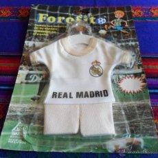 Coleccionismo deportivo: FOROFITO REAL MADRID EDICIÓN MUNDIAL 1982 ESPAÑA 82. EN BLISTER. COLGANTE COCHE. MUY RARO.. Lote 54229518