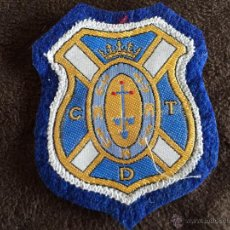 Coleccionismo deportivo: PARCHE BORDADO PARA ROPA ESCUDO EQUIPO DE FUTBOL CLUB DEPORTIVO TENERIFE. Lote 98342083