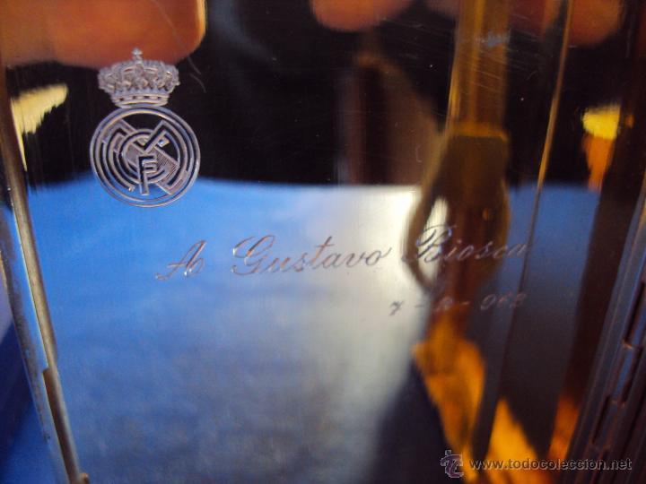 Coleccionismo deportivo: (F-1437)PITILLERA DE PLATA OBSEQUIO DEL REAL MADRID A GUSTAVO BIOSCA,C.F.BARCELONA,7-2-1962 - Foto 6 - 54655403