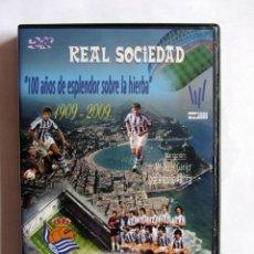 Coleccionismo deportivo: DVD REAL SOCIEDAD 100 AÑOS DE ESPLENDOR SOBRE LA HIERBA. 1909-2009. Lote 125025976