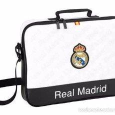 Coleccionismo deportivo: BOLSA MOCHILA PARA ORDENADOR PORTATIL 40X32 OFICIAL REAL MADRID MARCA SAFTA NUEVO!!! R3536. Lote 56166133