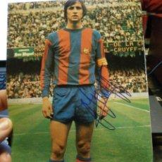 Coleccionismo deportivo: PROGRAMA CON CRUYFF Y FIRMADO DE SU PUÑO Y LETRA DEL FUTBOL CLUB FC BARCELONA F.C BARÇA CF. Lote 151351689