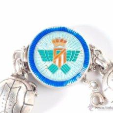 Coleccionismo deportivo: ATLETICO AVIACION (ATL. MADRID). EXCELENTE PULSERA DE PLATA CON ESCUDO. CIRCA: AÑOS 1940. Lote 57143708