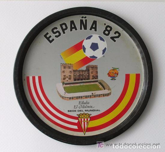 BANDEJA METALICA CONMEMORATIVA DEL MUNDIAL 82. ESTADIO DEL MOLINON. GIJÓN. ASTURIAS. 1982 (Coleccionismo Deportivo - Merchandising y Mascotas - Futbol)