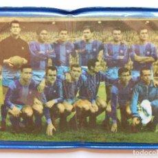 Coleccionismo deportivo: BILLETERA / CARTERA EQUIPO FUTBOL FC CLUB BARCELONA BARÇA AÑOS 60 (10 X 7,5 CM). ESCUDO. Lote 61772608