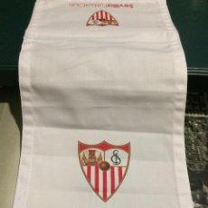 Coleccionismo deportivo: FUNDA DE REPOSACABEZAS DE ASIENTO. AVIÓN OFICIAL DEL SEVILLA FC. NUEVO.. Lote 64180903