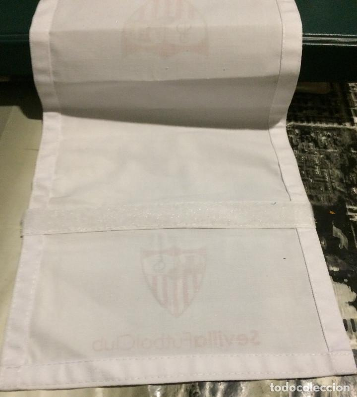 Coleccionismo deportivo: Funda de reposacabezas de asiento. Avión oficial del Sevilla FC. Nuevo. - Foto 4 - 64180903