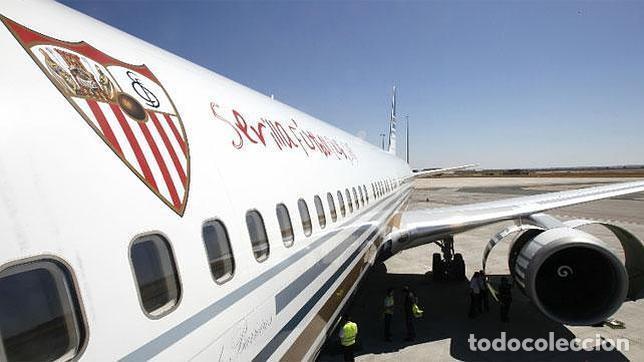 Coleccionismo deportivo: Funda de reposacabezas de asiento. Avión oficial del Sevilla FC. Nuevo. - Foto 6 - 64180903