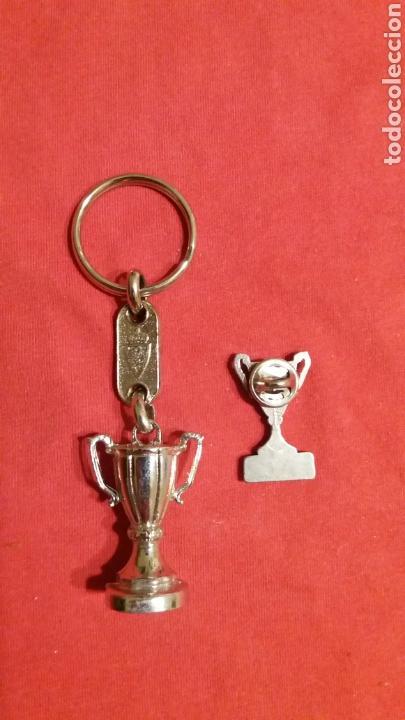 Coleccionismo deportivo: LLAVERO Y PIN RECOPA REAL ZARAGOZA 1995 - Foto 2 - 69424226