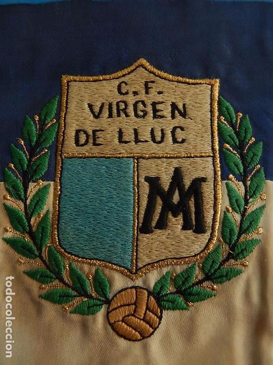 Coleccionismo deportivo: Escudo equipo futbol. C. F. Virgen de Lluc (Lluch). Mallorca. Década de 1970. - Foto 2 - 72824751