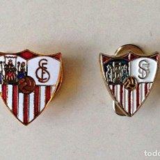 Coleccionismo deportivo: FUTBOL 2 INSIGNIAS PIN SEVILLA CF OFICIALES - AÑOS 80. Lote 79059073