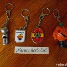 Coleccionismo deportivo: MUNDIAL FUTBOL 1982 - 4 LLAVEROS - NARANJITO - SILBATO. Lote 79798049